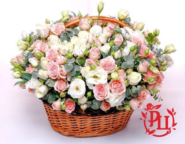 Нежная, ароматная и утончённая корзина с цветами