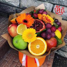 """Букет из цветов и фруктов """"Окрыляющие мечты"""""""
