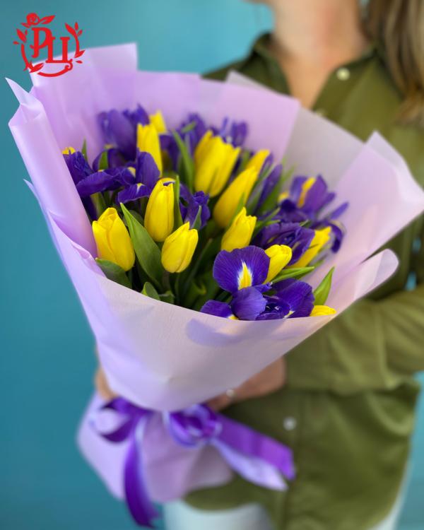 тюльпаны ирисы