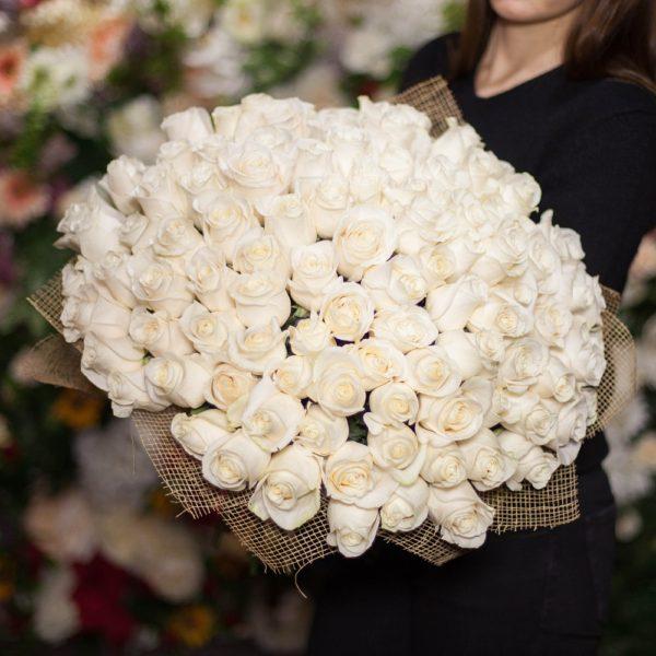 Розы Эквадор поштучно белые